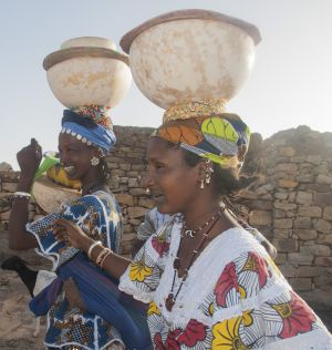 fulani women leaving market - mali 2012