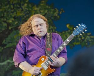 Warren Haynes - New Orleans Jazz Festival 2011